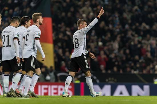 德国队6胜1负积18分!德国4-0提前出线