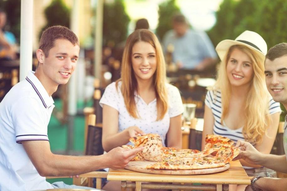 打卡站披萨品牌加盟费多少钱