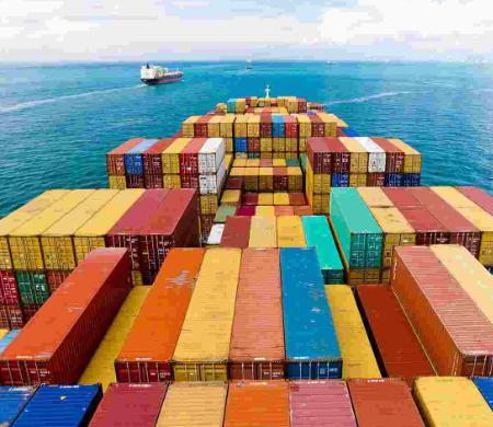 拼箱中的货物,是由不同的发货人和收货人的货物所组成的